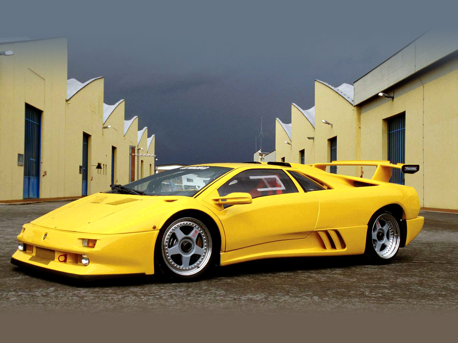 Car Accident Lawyers 1995 Lamborghini Diablo Iota