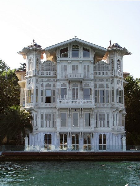 Bosphorus Residences ( Ahmet Afif Pasa yalısı ) ~ ISTANBULS