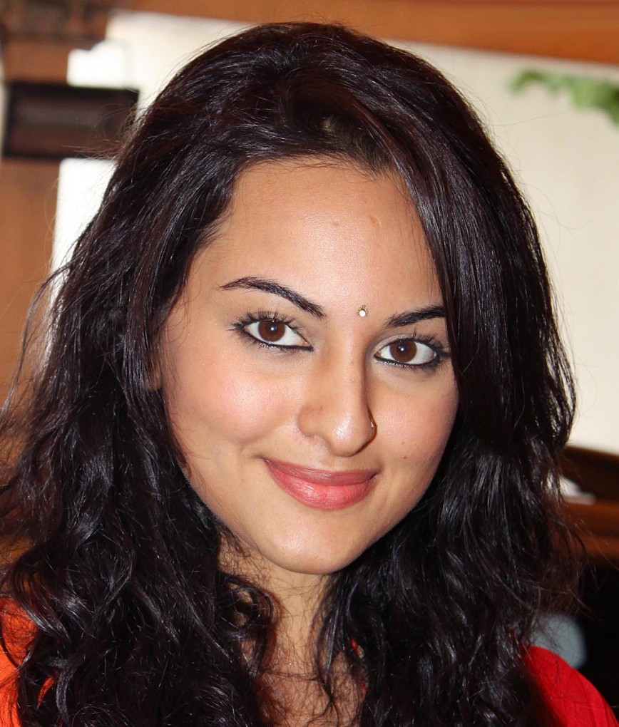 celebrity profile sonakshi sinha