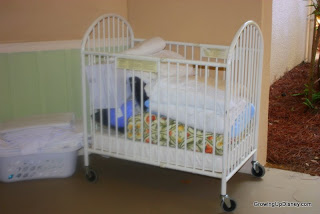 crib at Walt Disney World, travel crib