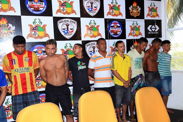 prisão de 10 por  atos de vandalismo em SL