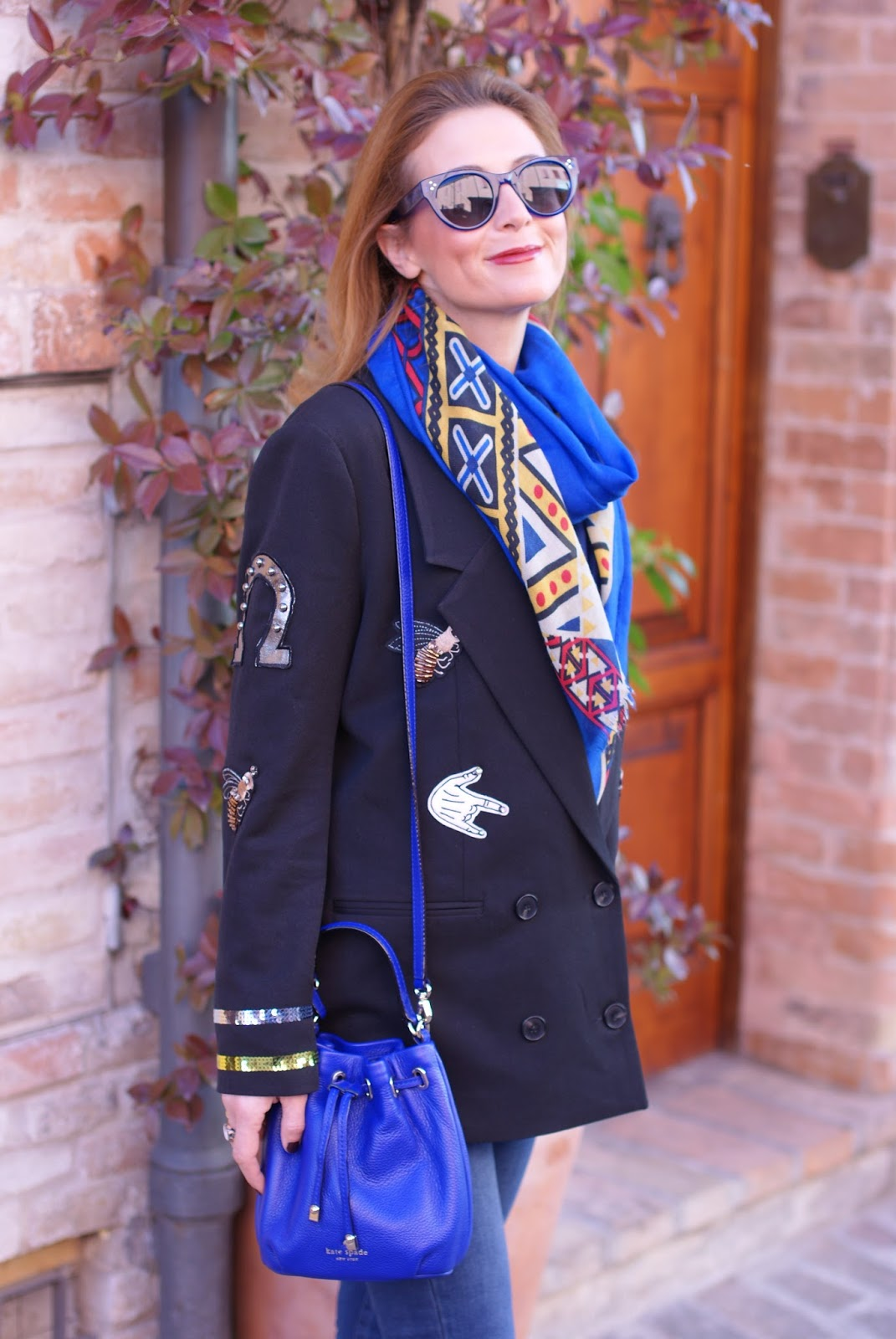 Vogos appliqued blazer and Kate Spade bucket bag on Fashion and Cookies fashion blog, fashion blogger style