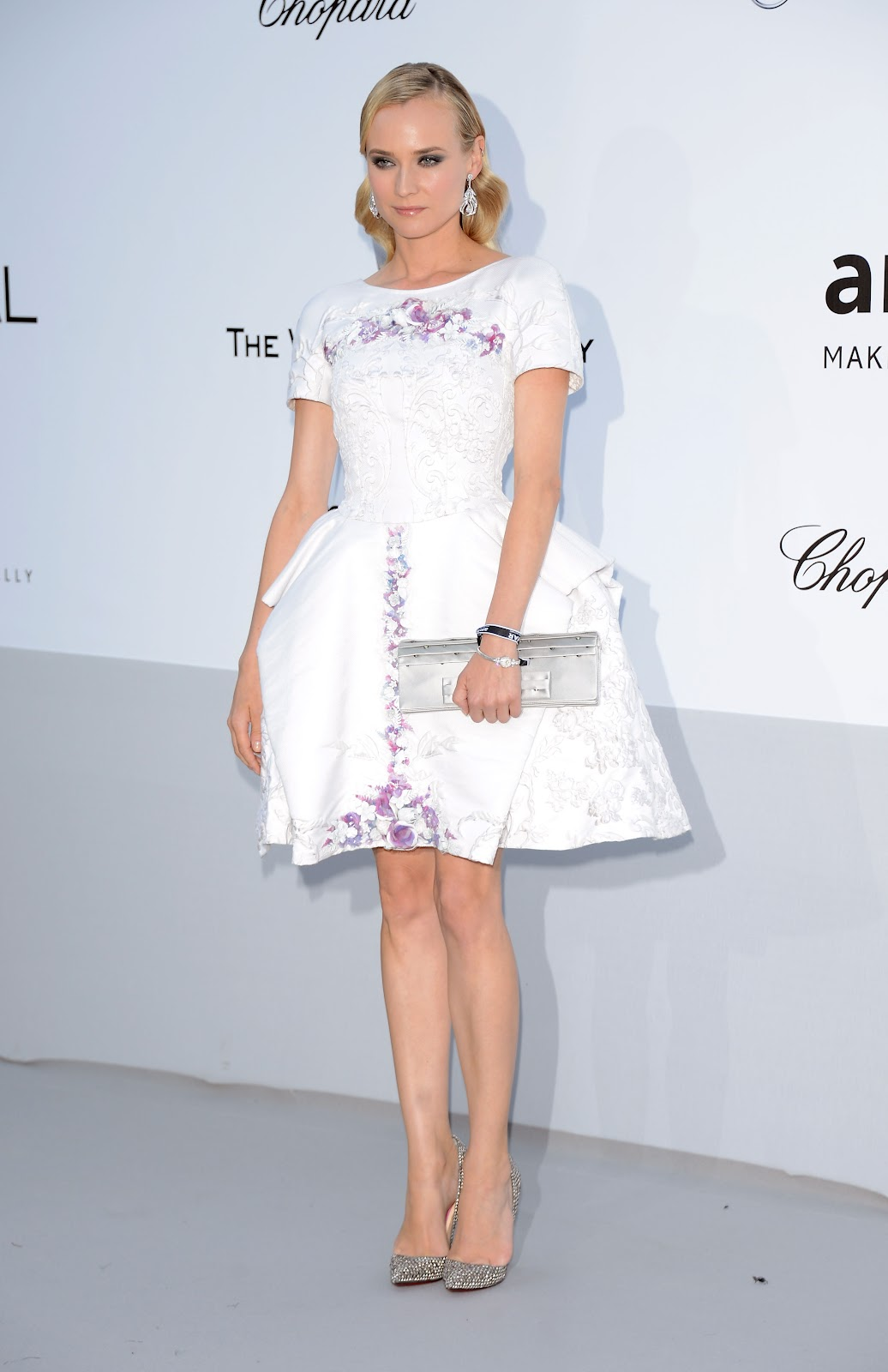 http://3.bp.blogspot.com/-iFYqQOjtyww/T8JfCOWHuWI/AAAAAAAAA0Q/w2r8xQtzwI0/s1600/80043_Diane_Kruger_amfAR_Cinema_Against_AIDS_Benefit_in_Cannes_France_May_24_2012_001_122_575lo.jpg