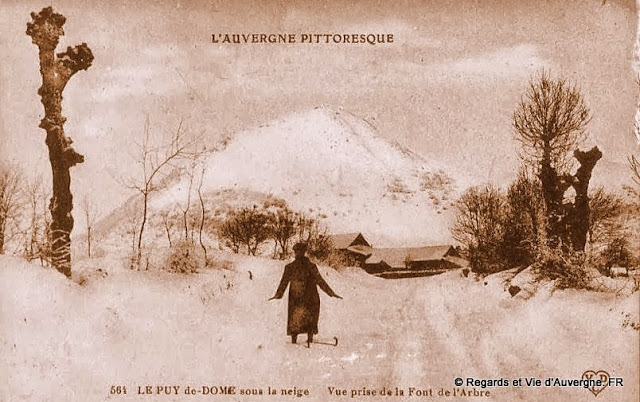 CPA la Font de l'Arbre, Puy-de-Dôme.