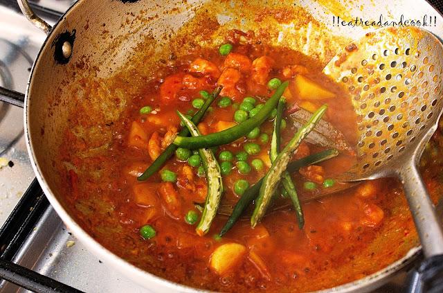 bengali style chingri macher jhal recipe