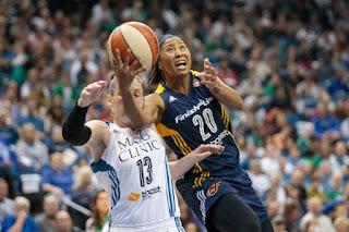 BALONCESTO (WNBA Finals 2015) - Indiana toma Minnesota en el primer partido lideradas por January