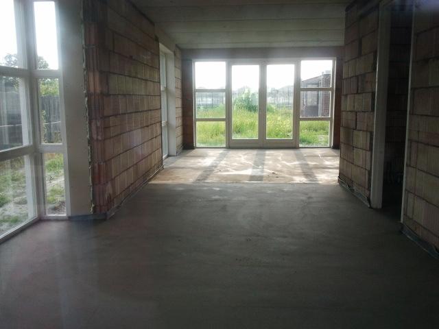 Maiko en debby bouwen hun droomhuis garage wind waterdicht en de vloer is gestort - De naad bouwen ...