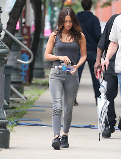 Megan+Fox+%E2%80%93+Teenage+Mutant+Ninja+Turtles+2+Set+in+NYC+4.jpg