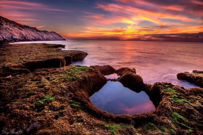 Màu trời, màu biển trộn lẫn với tông đặc sắc, nổi bật - Ảnh: Le Duy Thinh