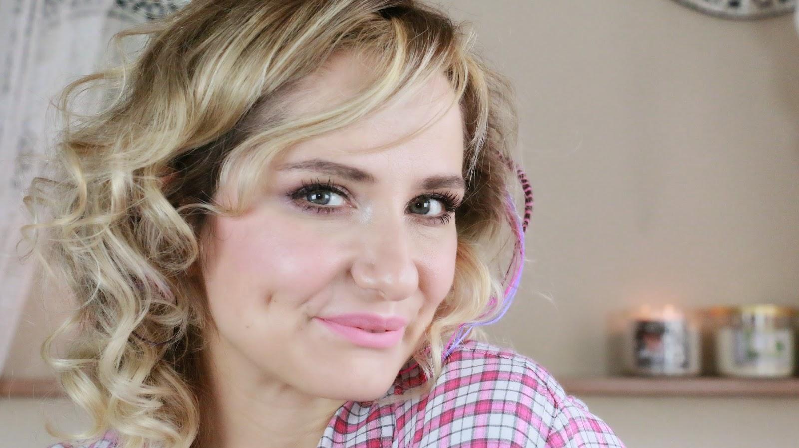 sebnemsblog - youtuber - turkish youtuber - fırçasız makyaj - elle makyaj
