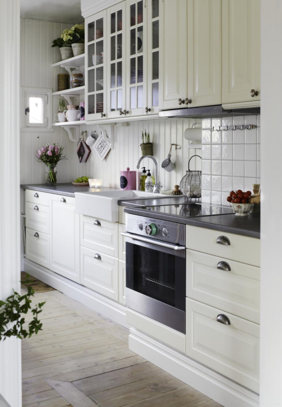Boiserie c cucina svedese - Cocina rosa ikea ...