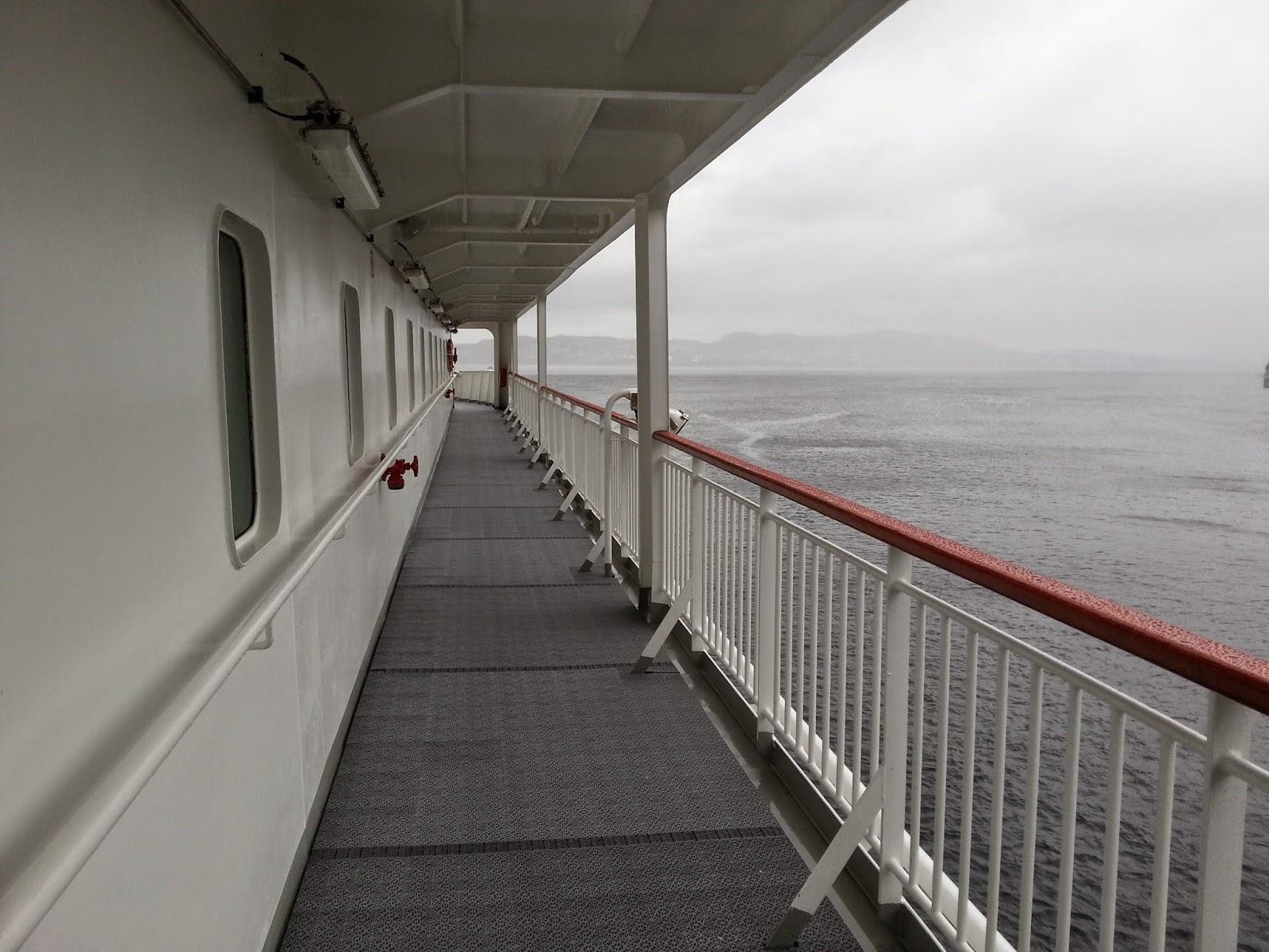Hurtigruten MS Finnmarken - Promenade Deck