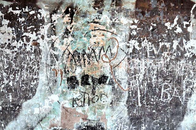 daulat mahal idar gujarat graffiti