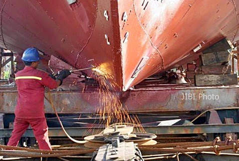 PT PAL Berupaya Merampungkan Dua Kapal Perang