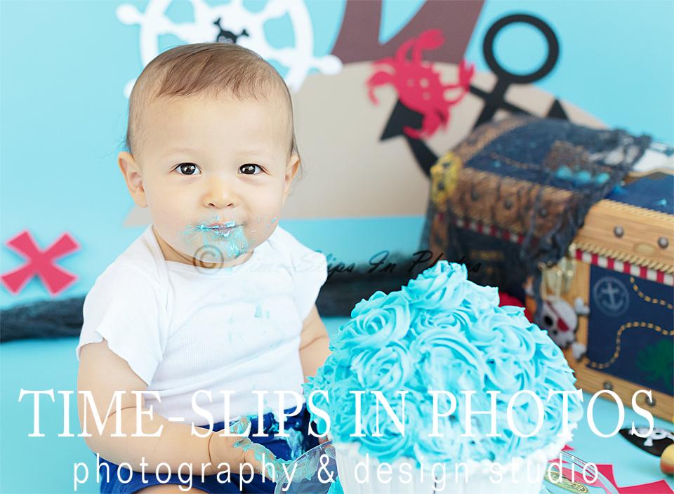time_slips_in_photos_pirate_cakesmash_happy_birthday