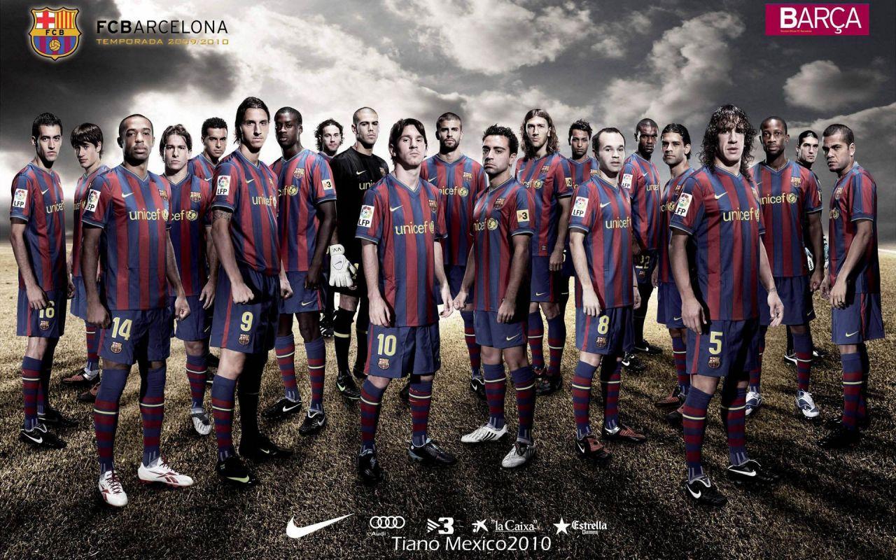http://3.bp.blogspot.com/-iHKMg8uiJWw/TmyNtiXOZpI/AAAAAAAAABg/9tqK5KSAYAc/s1600/barcelona-fc-team-wallpaper-1280x800.jpg