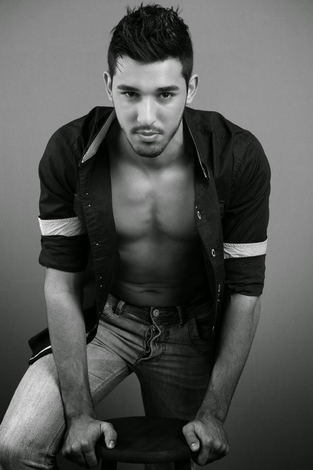 Há três meses o modelo Marcus Coura foi descoberto pelo fotógrafo Marcos Januário. Foto: Marcos Januário