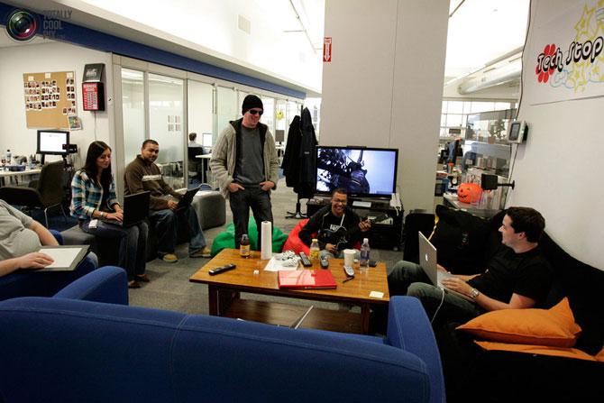 Oficina de google un trabajo de ensue o rinc n abstracto for Follando en las oficinas