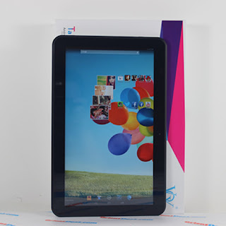 11.6 inches capacitive touch screen