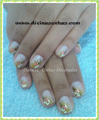 unhas-decoradas-margaridas-leitoras6