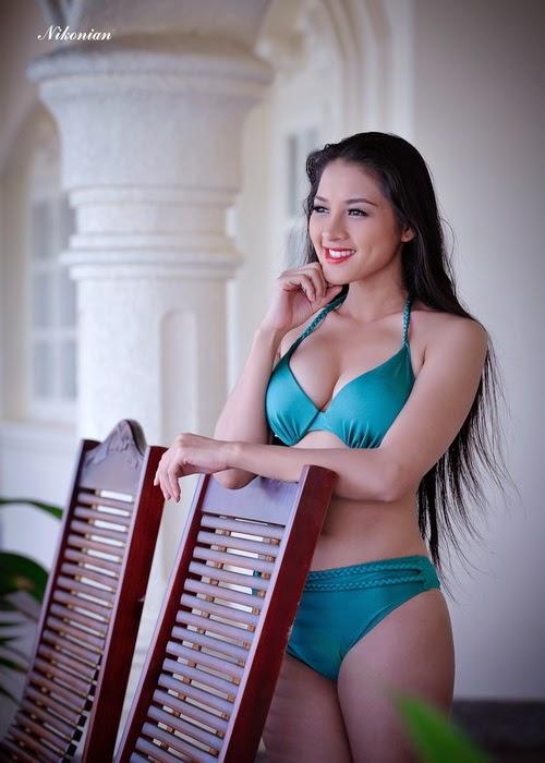 Hoa hậu Thái Nhã Văn Khoe sắc với bikini bên hồ bơi 8