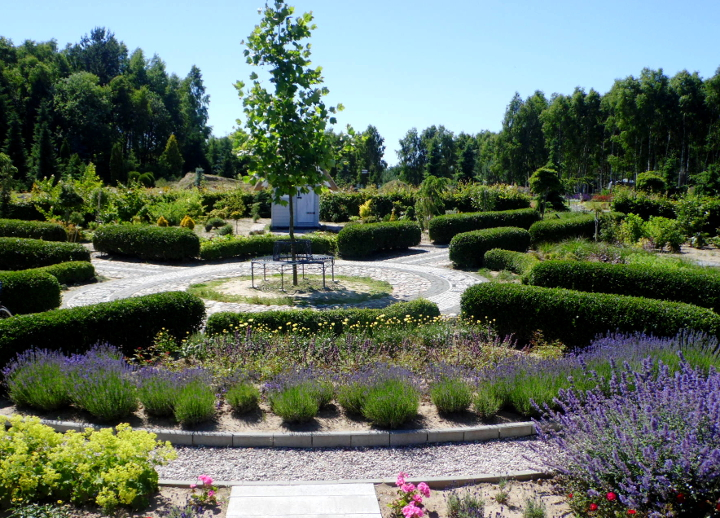 Ogród Cztery Pory Roku w Dobrzycy