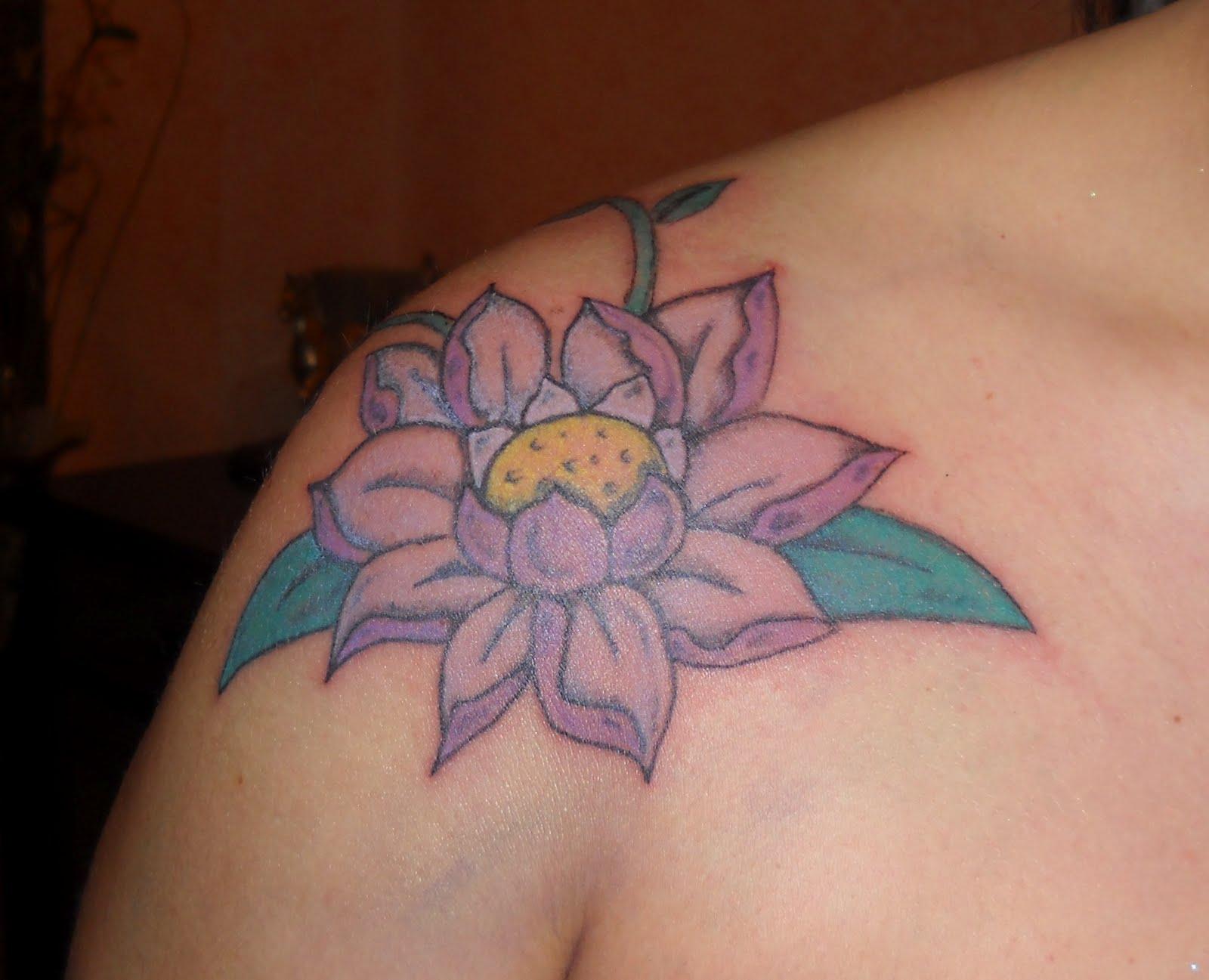 fiore di loto tatto