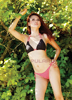 Angelia Wiberia Model Majalah Popular Bikini