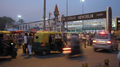 new-delhi-autorickshaw-tráfico