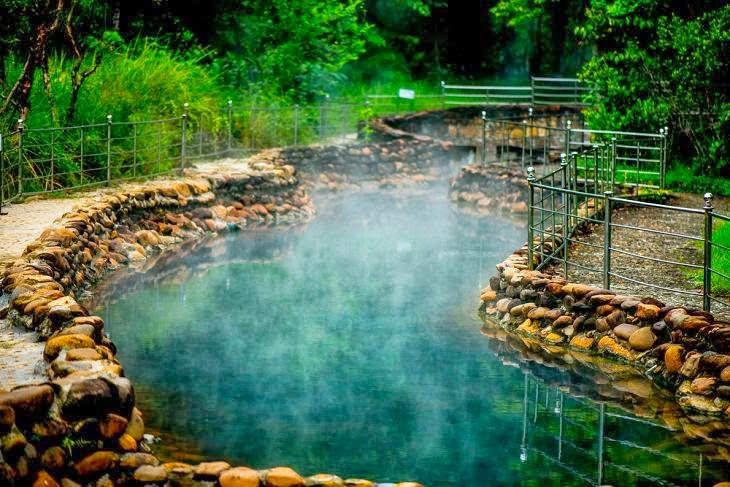 suối nước nóng thanh tân huế