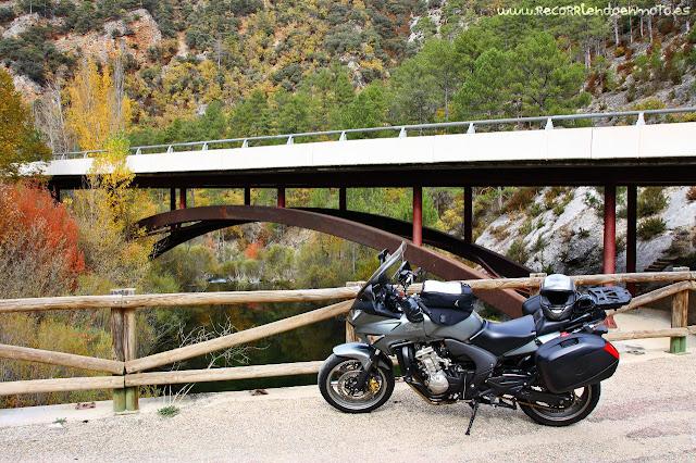Puente CM-210 sobre río Tajo