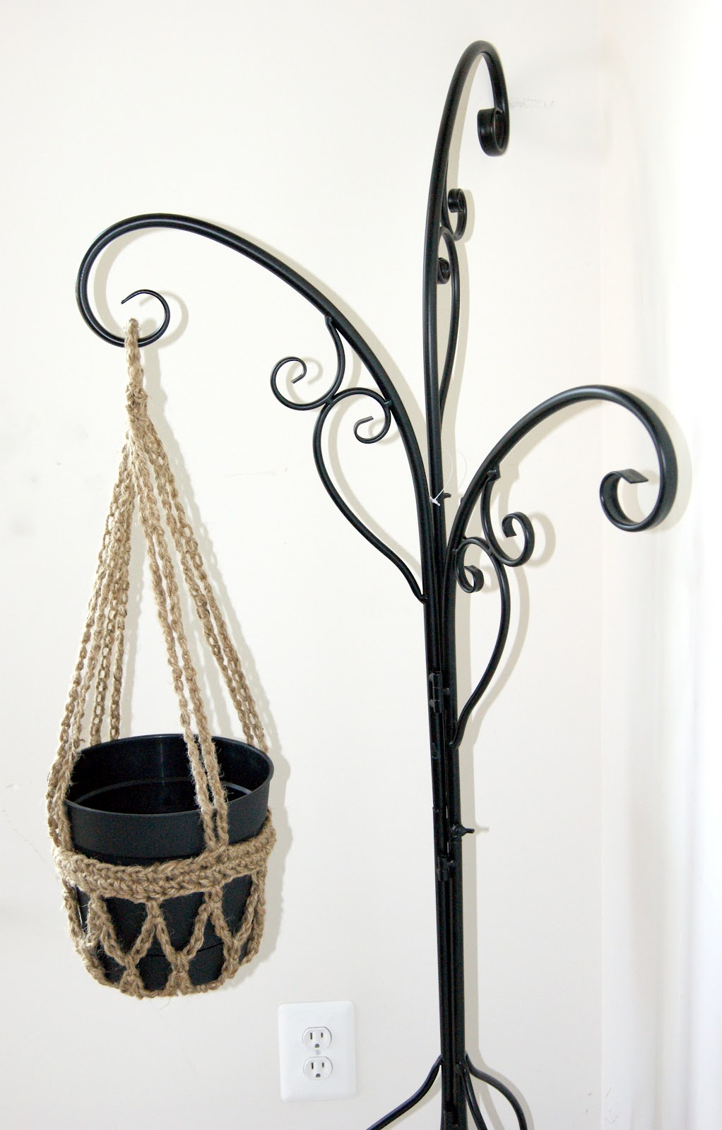 Attractive Metal Hanging Plant Stand Part - 11: I Need To Make Two More To Fill My Stand. Sounds Like A Trip To Hobby Lobby  Is In My Near Future.
