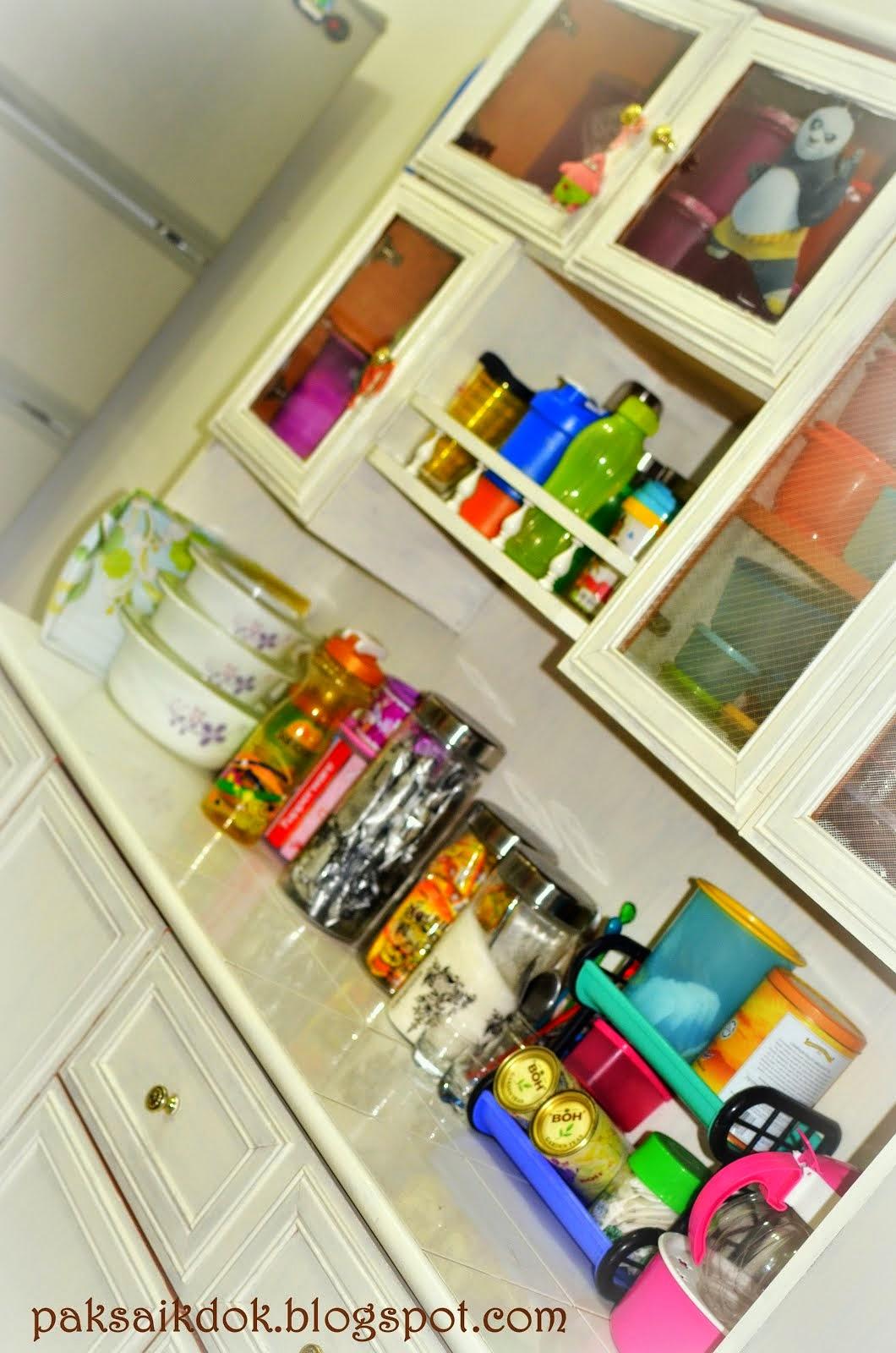 shabby cupboard