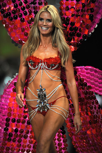 Victoria Secret Models Fashion Show Photos