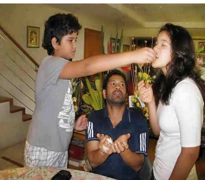 Sara Tendulkar with her brother Arjun Tendulkar, Sachin Tendulkar Kids photos, Sachin Tendulkar Family Photos