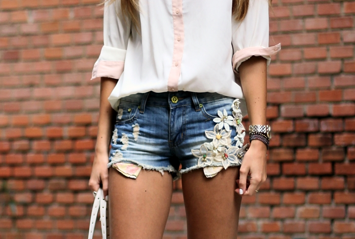 denim shorts, casual summer outfit