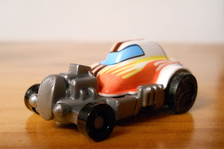 coche miniatura kinder sorpresa