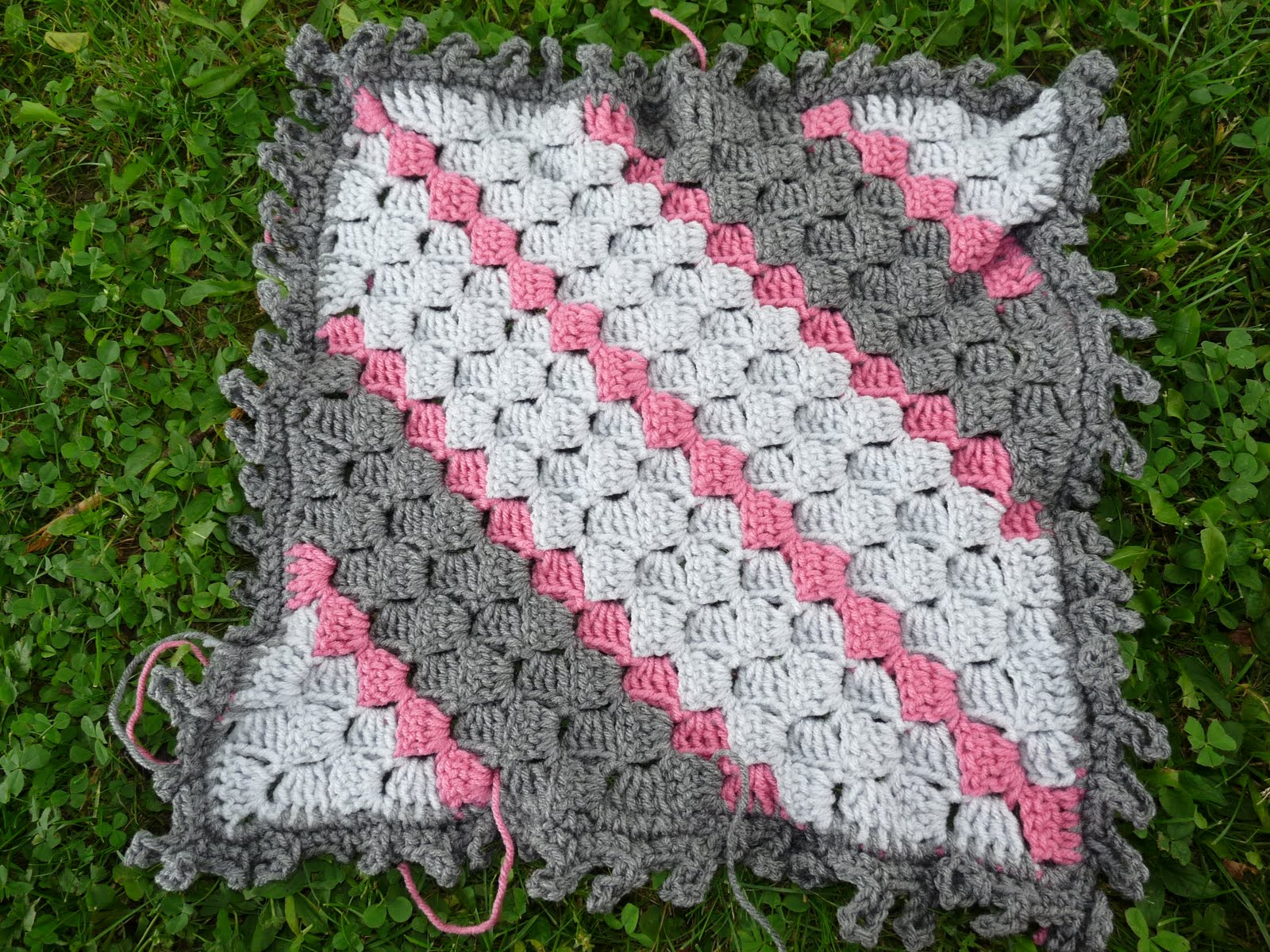 Crocheting Corners : Loops Join Pattern