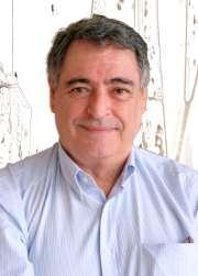 Mario Hernández Bueno dona su biblioteca personal a la ULPGC