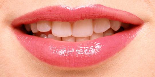 Cara dan Tips Agar Memiiliki Bibir yang Sehalus Bibir Bayi