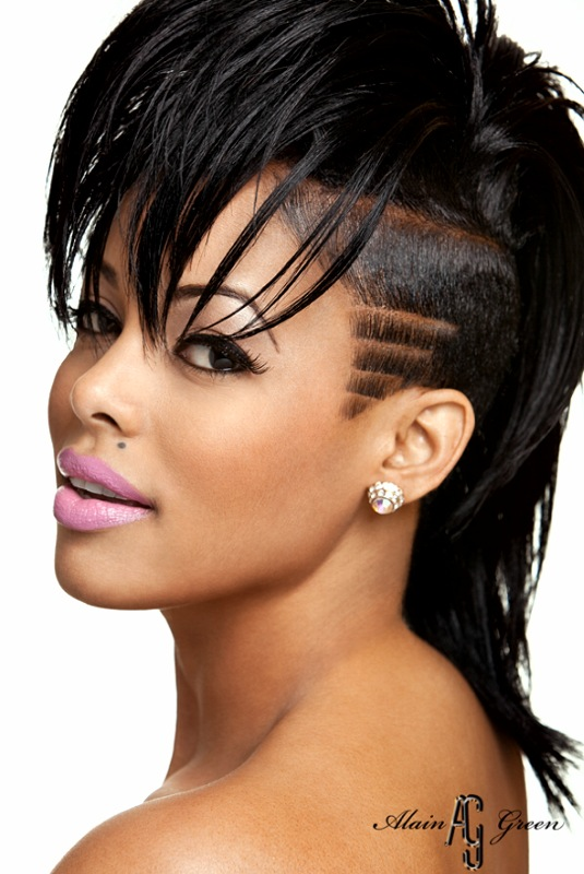Black Women with Shaved Sides Hairstyles