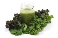 Le verdure a foglia verde proteggono pelle e occhi dal sole