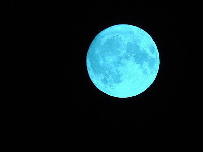 LUNA AZUL 2012