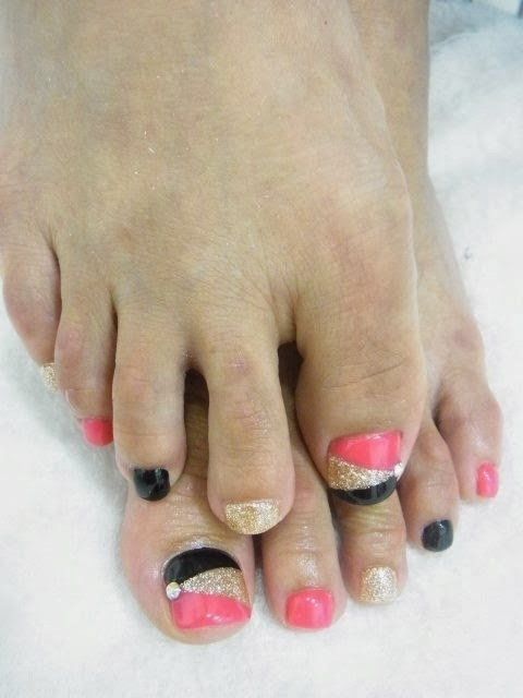 Toe Extensions Then A Mini Led Polish Pedicure Nail Art Needy