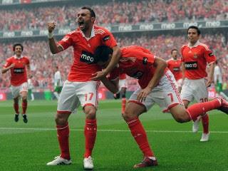Benfica, igrači slave gol download besplatne pozadine slike za mobitele