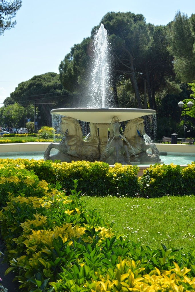 Fisher's port Rimini fountain