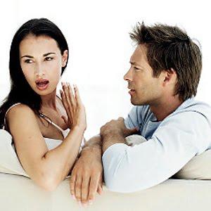 Bahasa Tubuh Wanita Ketika Jatuh Cinta