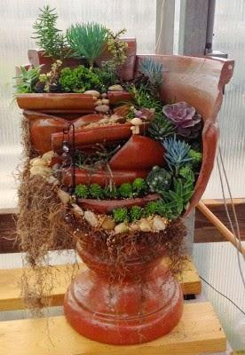عمل تجميل للاواني المكسورة broken-pot-fairy-garden-2-276x400.jpg