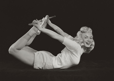 Marilyn Monroe exercising