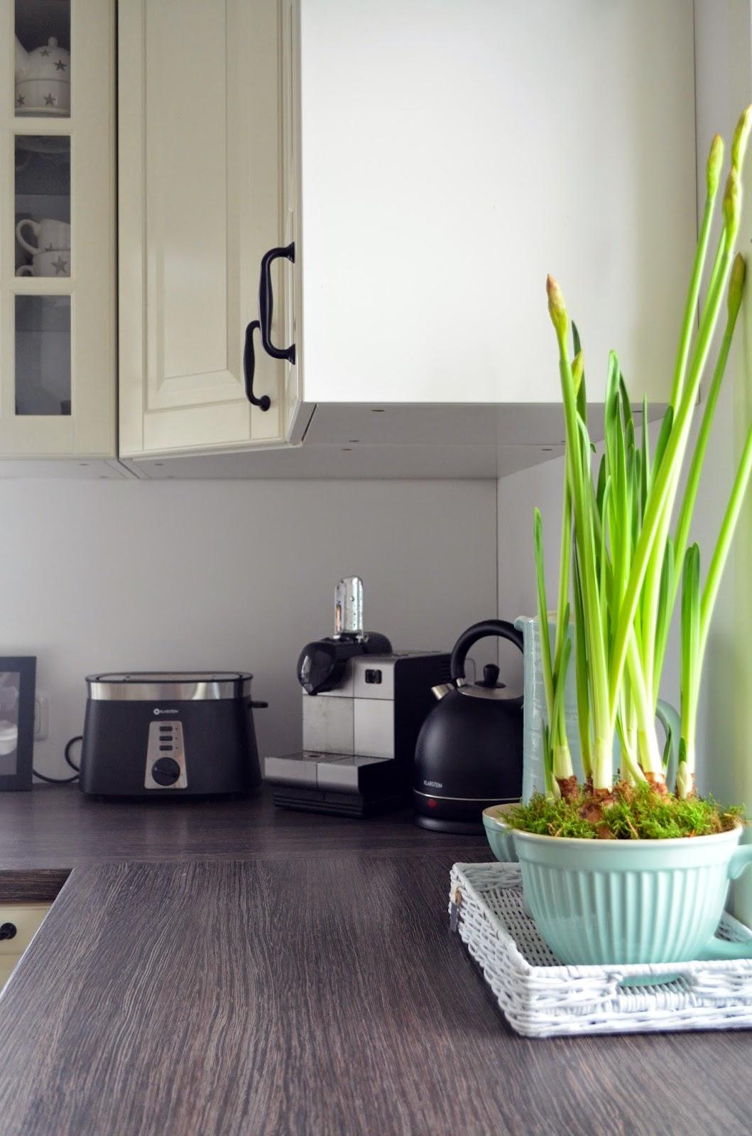 deko hus einblick in unsere k che und ein diy f r rollos. Black Bedroom Furniture Sets. Home Design Ideas